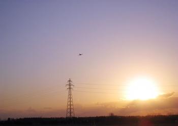 夕焼け空を駆けるRC飛行機